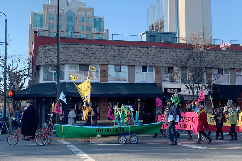 Climate protest hinders afternoon traffic on Victoria streets