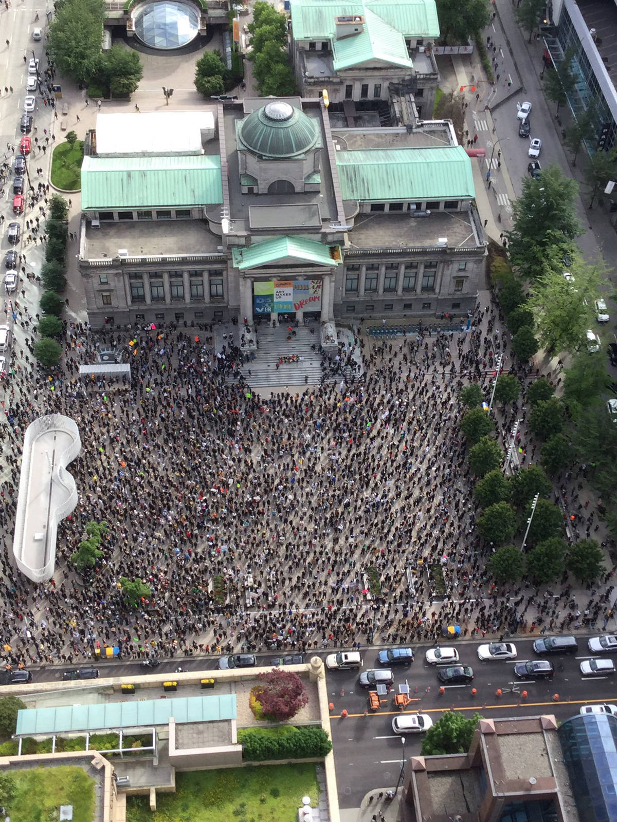PHOTOS: Thousands gather at Vancouver Art Gallery to protest ...